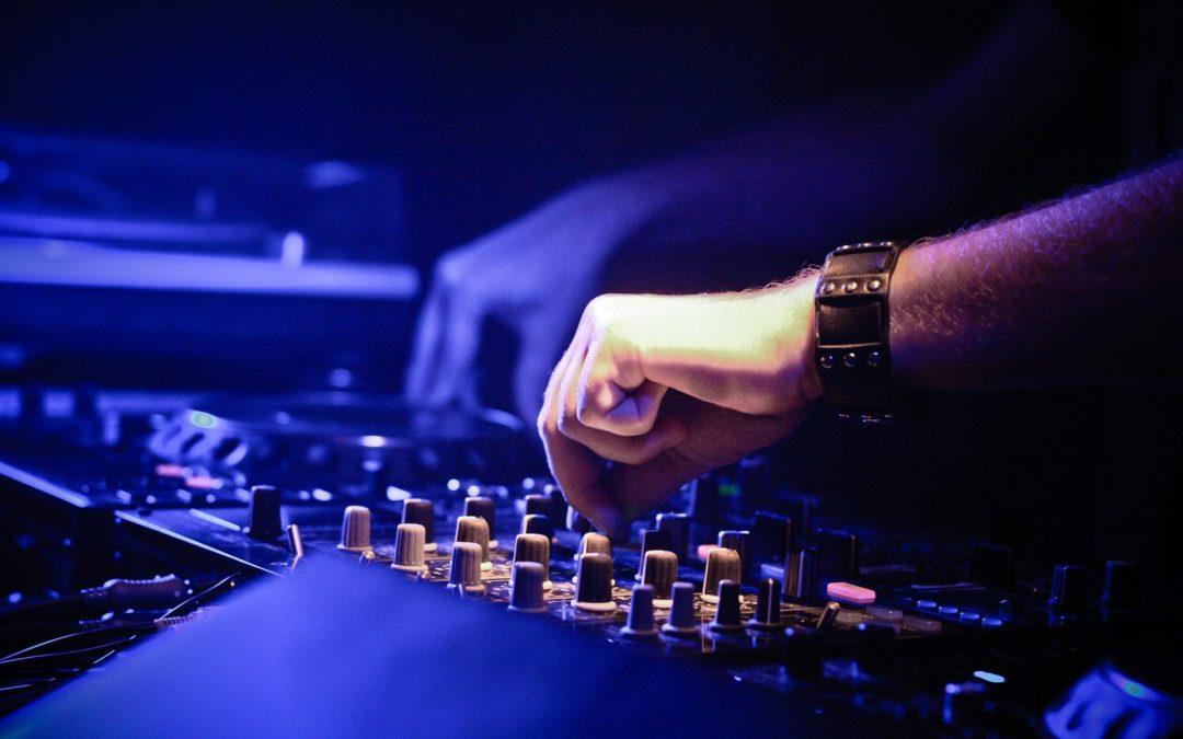 Découvrez la formation de DJ de la Guerre des Potards